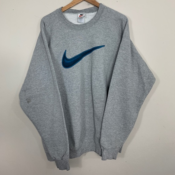 Nike Big Swoosh Crew Sweat in 2019   Nike wear, Nike, Nike